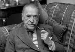 William Sommerset Maugham pipe