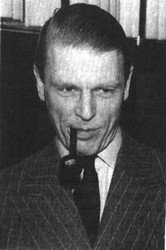 Edward Fox pipe