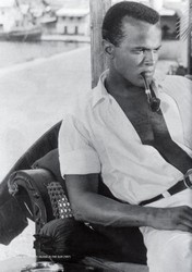 Harry Belafonte pipe
