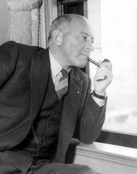 Cecil B. DeMille pipe