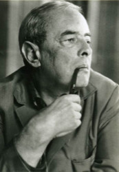 Witold Gombrowicz pipe