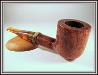 une pipe d'Adrian James